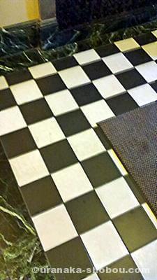 「ベーリック・ホール」の床