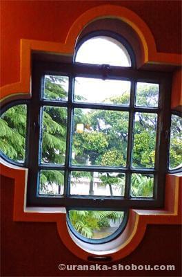 「ベーリック・ホール」の窓