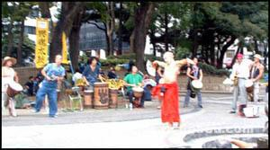 「横浜カーフリーデー2005」演奏風景2